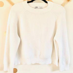 •Zara• White Crewneck Cropped 3/4 Sleeve Sweater